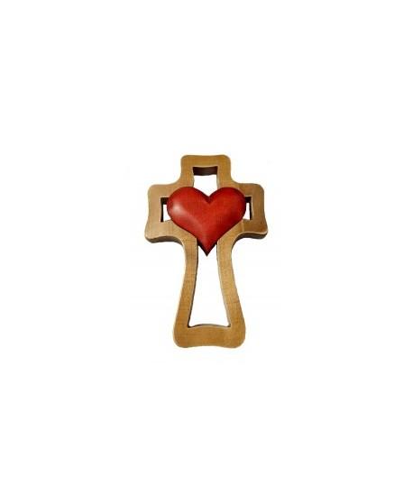 Kríž drevený - červené srdce